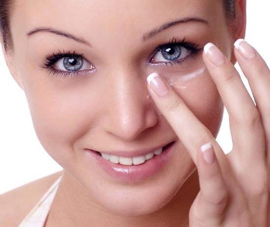 Как скрыть мешки и круги под глазами с помощью косметики