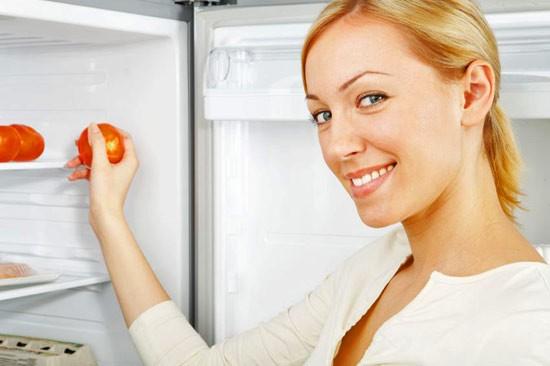 Убрать неприятный запах в холодильнике просто