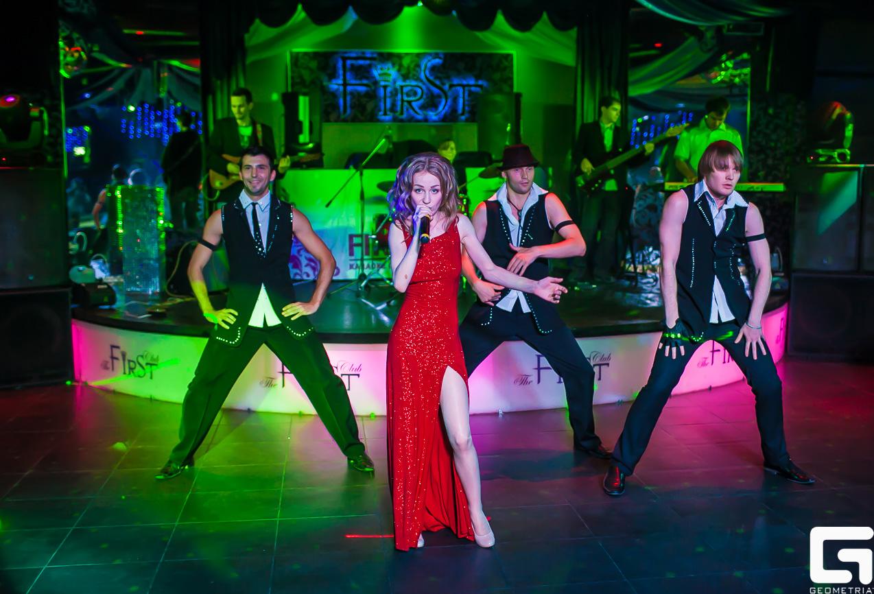 Пост релиз дебютного альбома Дарьи Ярцевой «Знакомые»